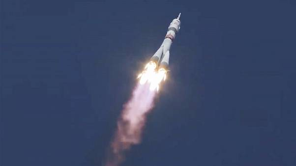 صاروخ سويوز 2.1A متوجه إلى محطة الفضاء الدولية يحمل على متنه كبسولة سويوز MS-17