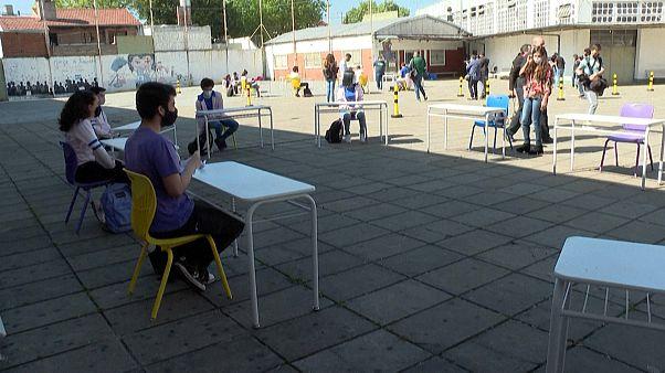 Reabertura gradual das escolas na Argentina