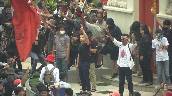 No Comment: Wieder große Protestkundgebungen in Bangkok