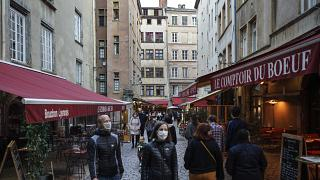 Toque de queda en París y las principales ciudades de Francia