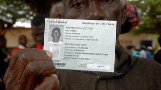 Retrait des cartes d'électeur en Côte d'Ivoire