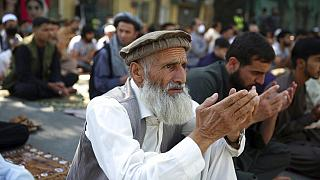 imádkozó muzulmán Kabulban