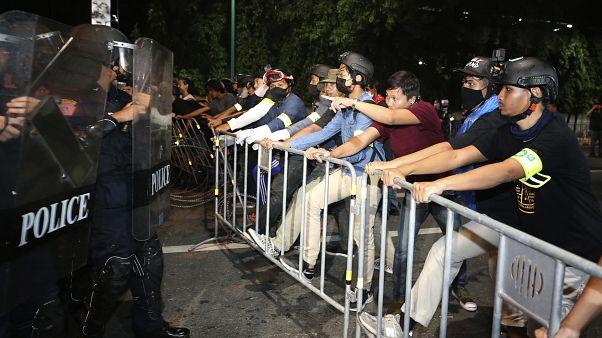 Etat d'urgence en Thaïlande : le Premier ministre contre les manifestations