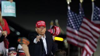 دونالد ترامب خلال تجمع مع مؤيديه في أيوا. 2020/10/14
