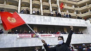 Kirghizistan nel caos: prende il potere il primo ministro