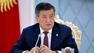 Kırgızistan Cumhurbaşkanı Sooronbay Ceenbekov görevinden istifa etti
