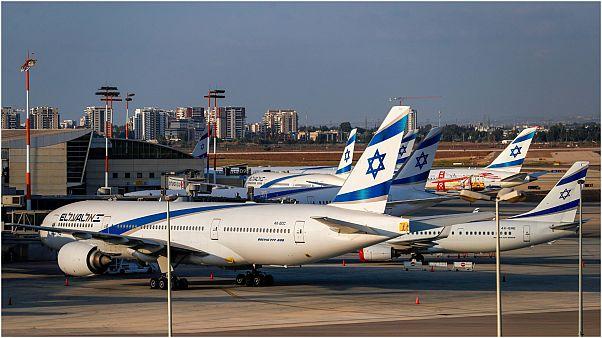 طائرات في مطار تل أبيب