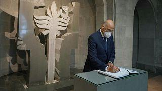 Yunan Dışişleri Bakanı Nikos Dendias Ermenistan'da