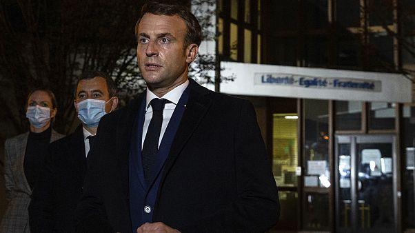 """Le président français a appelé la nation à """"faire bloc"""", quelques heures après l'assassinat de l'enseignant, à la sortie du collège du Bois d'Aulne où travaillait la victime."""