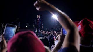Трамп отстаивает право на оружие, Байден обращается к этническим меньшинствам