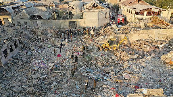 Azerbaycan, Gence kentinin bombalandığını ve 12 kişinin hayatını kaybettiğini duyurdu
