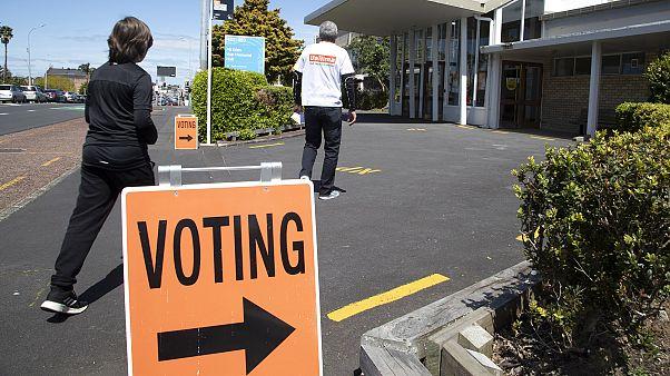 Новая Зеландия: на всеобщих выборах побеждает партия премьера