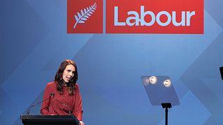 Jacinda Ardern bejelenti győzelmét
