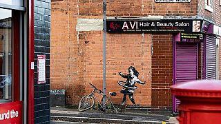 Banksy'nin resmi hesabında yayımlanan son eserinden bir kare.