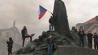 Protestos violentos em Praga
