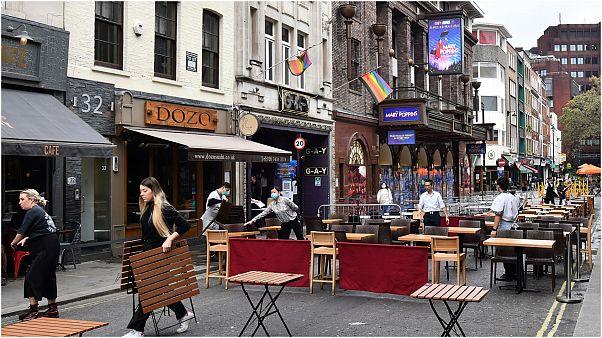 مطاعم ومقاهي لندن تخضع لقيود