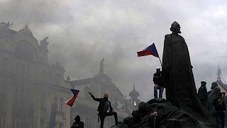 Praga: scontri fra polizia e manifestanti per le restrizioni anti-Covid