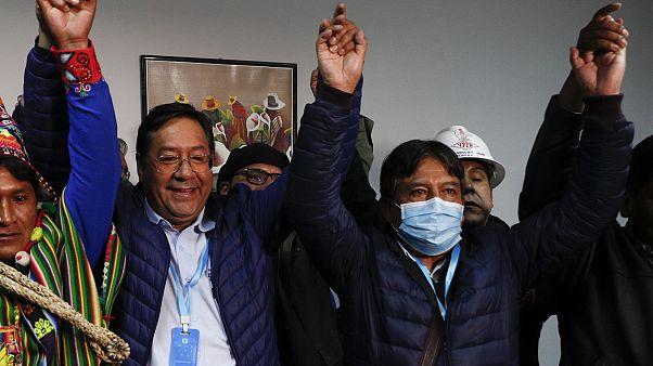 Боливия: на президентских выборах лидирует сторонник Моралеса