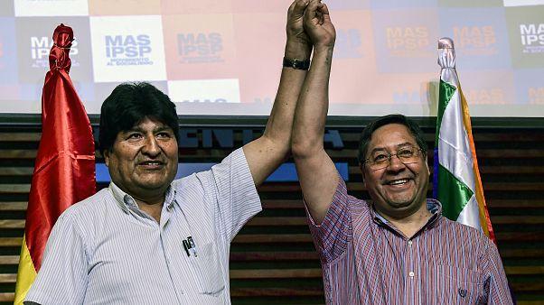 Evo Morales y Luis Arce durante una conferencia de prensa en Buenos Aires, el 27 de enero de 2020.