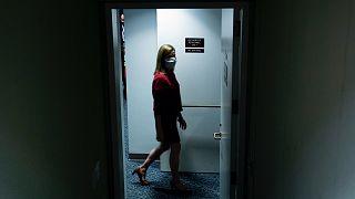 Amy Coney Barrett szenátusi meghallgatására érkezik