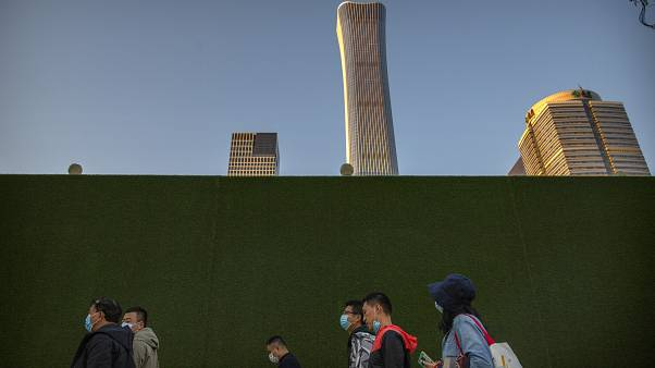 Economia chinesa cresce 4,9%