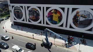 شهر زادگاه پله با یک نقاشی دیواری به استقبال ۸۰ سالگی اسطوره فوتبال برزیل رفت