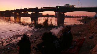 نهر دجلة خلال غروب الشمس في بغداد. 2019/12/18