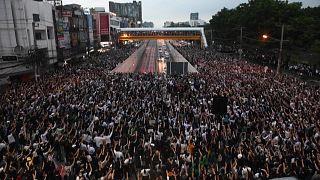 Ταϊλάνδη: ¨Συνεχίζονται οι φιλοδημοκρατικές κινητοποιήσεις