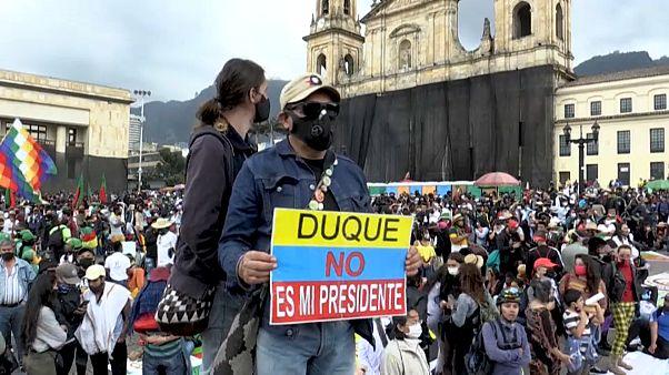 Miles de indígenas presionan en Bogotá para obtener una reunión con Iván Duque