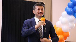 AK Parti Genel Başkan Yardımcısı Hamza Dağ, Covid-19 testinin pozitif çıktığını duyurdu.