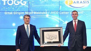 Gürcan Karakaş ve Dr.Yu Wang