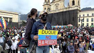 Milhares de indígenas protestam em Bogotá