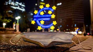 La UE consigue 17.000 millones en la primera emisión de bonos SURE contra el desempleo