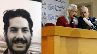 والدا أوستين تايس المفقود في سوريا منذ 2012 خلال مؤتمر صحفي في بيروت. 2018/12/04