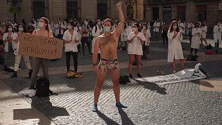 Spain doctors strike againt amid virus struggle
