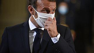Emmanuel Macron mit Stoffmaske