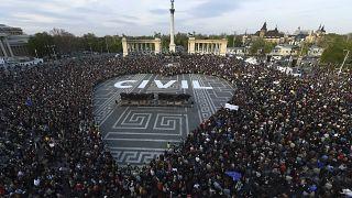 احتجاجات في بوادبيست ضد القوانين المقيّدة لتسيير المنظمات غير الحكومية 2017/4/12