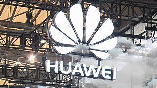 Πεκίνο εναντίον Στοκχόλμης για τις Huawei και ZTE