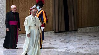 Ferenc pápa: a homoszexuális embereknek joguk van arra, hogy családban éljenek