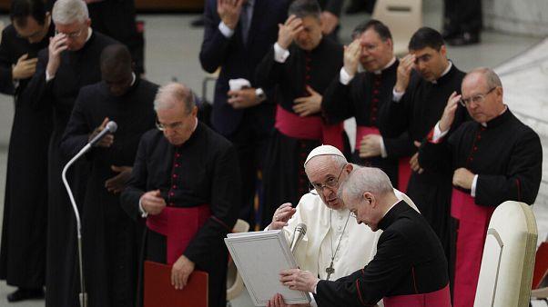 Revuelo tras el inédito apoyo del papa Francisco a las uniones homosexuales
