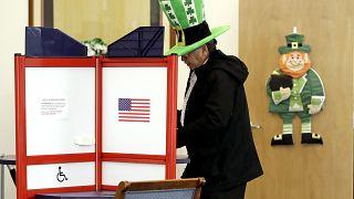 """أعلن مدير """"الاستخبارات الوطنية"""" الأميركية أن روسيا وإيران حصلتا على معلومات تتعلق بسجلات الناخبين في الولايات المتحدة"""