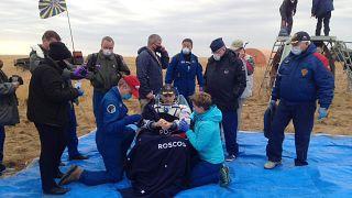 US-Astronaut Chris Cassidy nach der Landung in der kasachischen Steppe