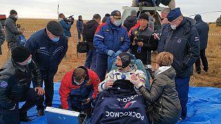 بازگشت کریس کاسیدی، فضانورد آمریکایی به همراه دو فضانورد دیگر آمریکایی و روس به زمین