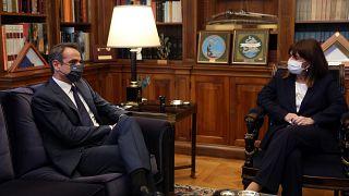 Ο έλληνας πρωθυπουργός Κυριάκος Μητσοτάκης και η Πρόεδρος της Ελληνικής Δημοκρατίας Κατερίνα Σακελλαροπούλου