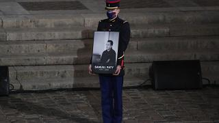 قاتل المدرس في فرنسا كان على اتصال بمتطرف ناطق بالروسية في سوريا