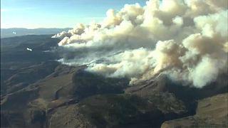 شاهد: فرق المطافئ تواجه أسوأ حرائق غابات في تاريخ كولورادو