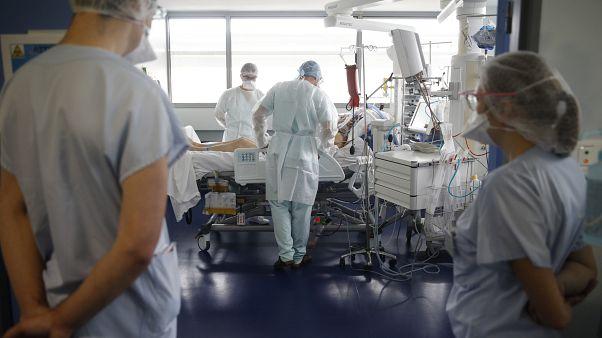 Врачи больницы в Страсбурге помогают пациенту