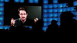اسنودن در نشستی در پرتغال