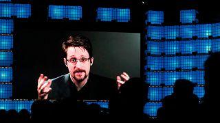 ABD'li eski istihbarat elemanı Edward Snowden
