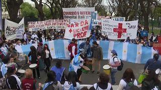 Argentin betegápolók tüntettek